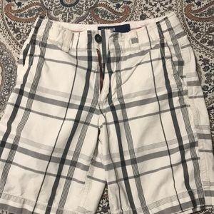 American Eagle 🦅 plaid shorts